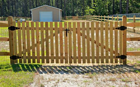 Residential Farm & Ranch Fence Installations