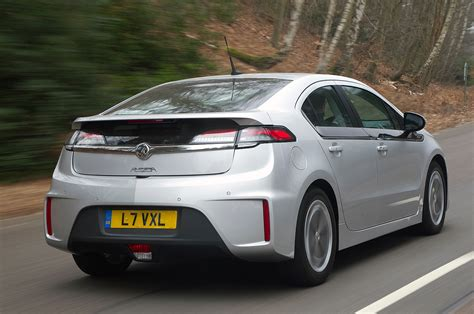 vauxhall car vauxhall ampera review autocar