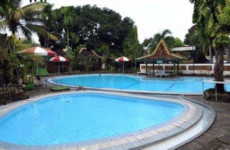 referensi hotel murah  jogja dekat malioboro  kolam