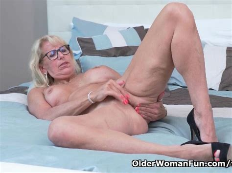 canadian milf bianca indulges in masturbation free porn videos youporn