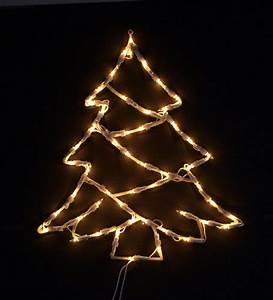 Lichterkette Weihnachtsbaum Außen : fensterbild beleuchtet lichterkette weihnachtsbaum tannenbaum m saugnapf ~ Orissabook.com Haus und Dekorationen