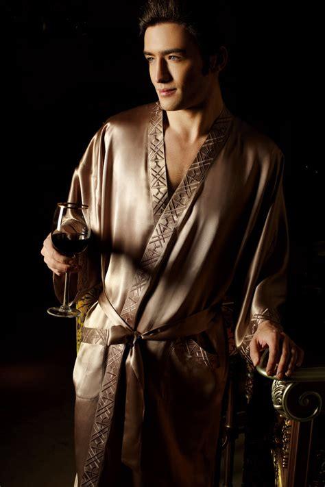 robe de chambre homme satin un peignoir satin homme peignoir homme