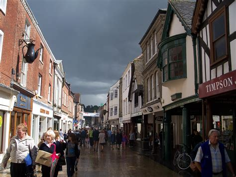 File:Winchester, england, august 2008.JPG - Wikimedia Commons