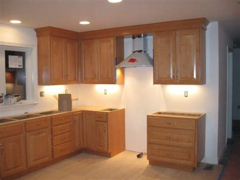 crown molding on top of cabinets crown kitchen cabinet crown molding tops thediapercake