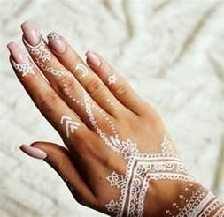 chaussures mariage femme 60 idées avec le henné pour créer de l 39 archzine fr