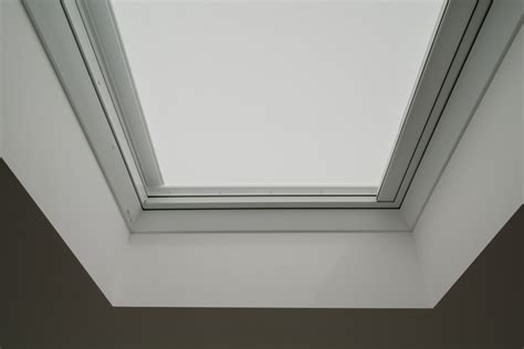 light dimming blinds  flat roof windows