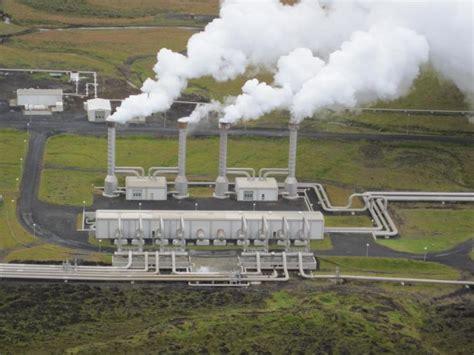 Электростанции снабжающие современную технику энергией из недр земной коры – это реальные действующие устройства применяемые с давних.