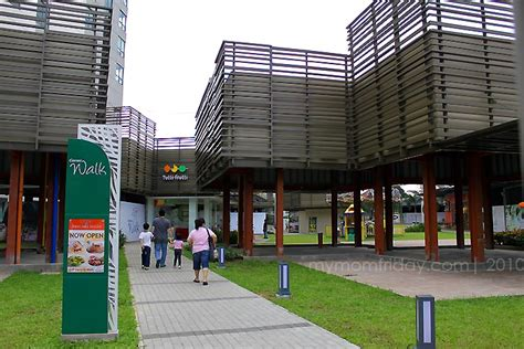 My Mom-Friday: Day-Out At Eton Centris Walk