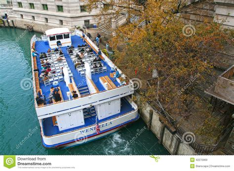 Chicago Boat Tours In November by On Chicago Boat Tour Editorial Stock Image Image