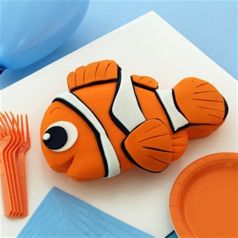 finding nemo cake disney family