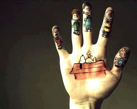 awesome finger tattoos   insanely popular