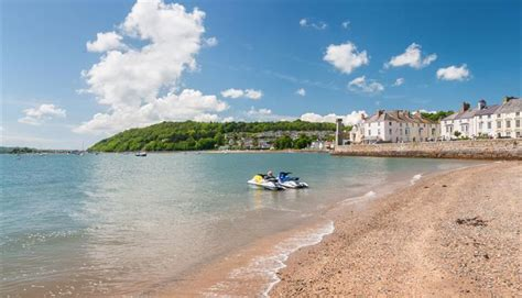 Beaumaris Beach - Go North Wales