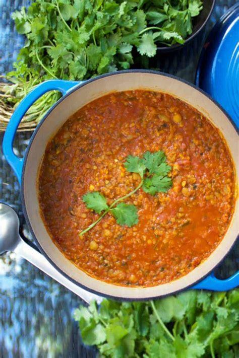 Tempatkan herba, jus lemon, minyak, dan garam dalam food processor. Resep Sop Lentil / Resep Sup Kentang Wortel Sajian Super ...