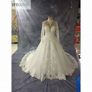 White wedding gown origin white wedding dress ideas for Origin of white wedding dress