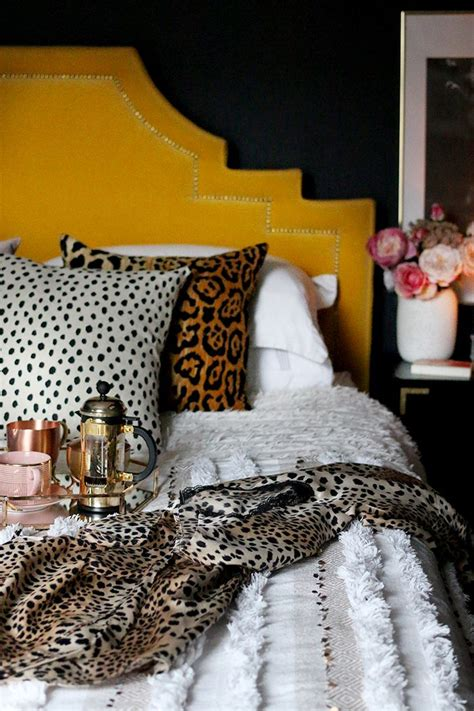 Cheetah Print Bedroom Accessories by Best 25 Leopard Bedroom Ideas On Leopard