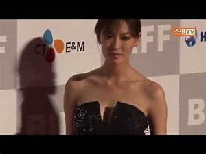 2011.10.06 Kim SoYeon at the 16th BIFF Red Carpet ...