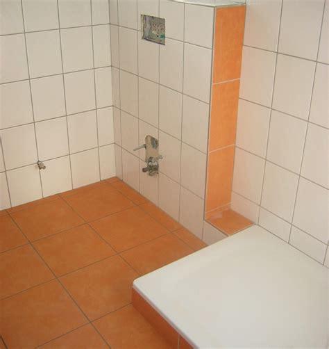 Badezimmer Fliesen Orange by Fliesen In Bad Und K 252 Che Bilder Und Referenzen