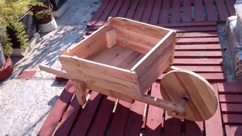 carreta de madera  el jardin madera de pallets youtube