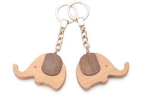 wood elephant keyring keychain feelgift