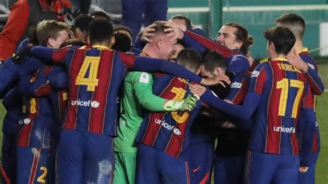 Ter Stegen mete al Barça en la final de la Supercopa tras ...