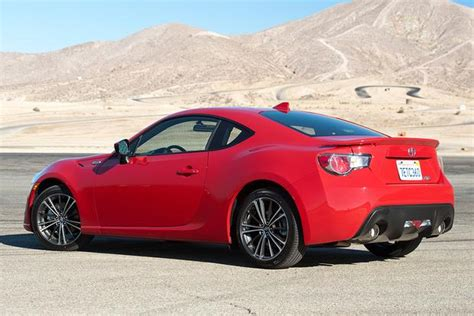 Scion Frs Vs Brz by 2015 Scion Fr S Vs 2015 Subaru Brz What S The Difference