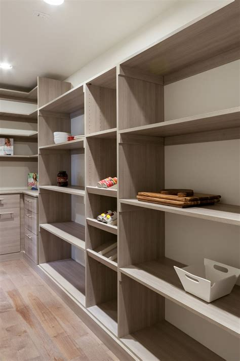 grand walk  pantry   space