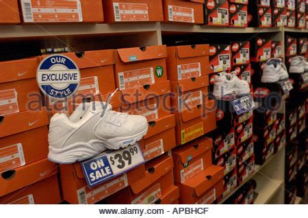 Nike Outlet Lancaster Pa by Shoes For At Nike Outlet Tanger Outlets