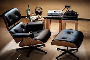 Eames Chair Kopie : nah aufnahme eames lounge chair mit ottomane ~ Markanthonyermac.com Haus und Dekorationen