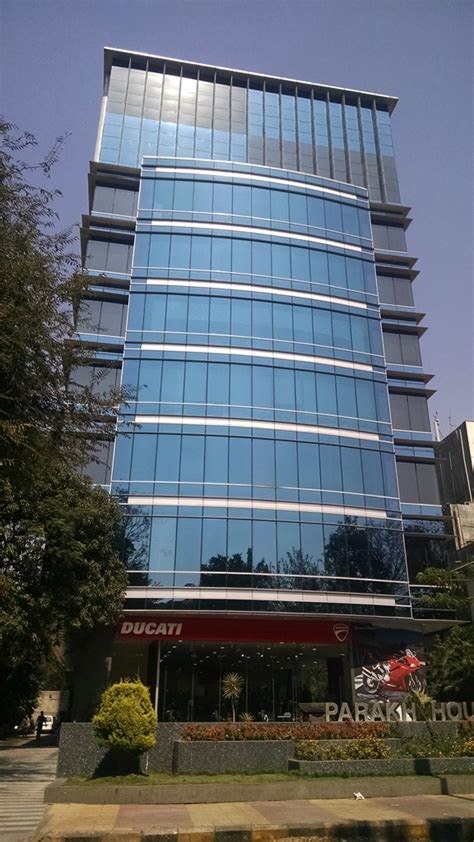 Address Of Boat Club Pune by Real Estate In Boat Club Road Pune Location Profile