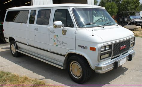 1993 gmc g3500 rally wagon passenger van 1993 gmc g3500 rally stx van item d5391 sold tuesday au