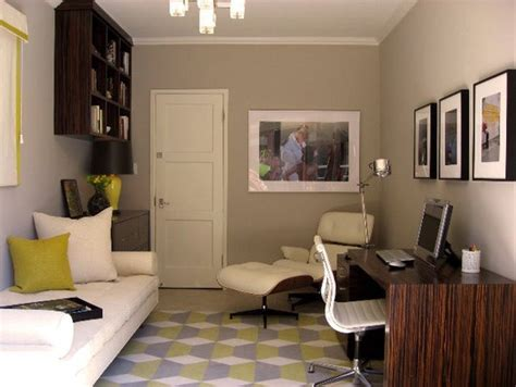 Another Great Guestroom / Office-> This One Has A Daybed