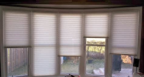 custom blinds   bow window modern living room
