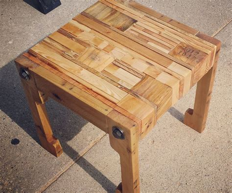 pallet wood tableseat  upcycled pillow