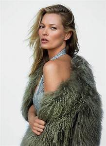 Kate Moss in 'Kate's World' by Mario Testino for Vogue UK ...  Kate
