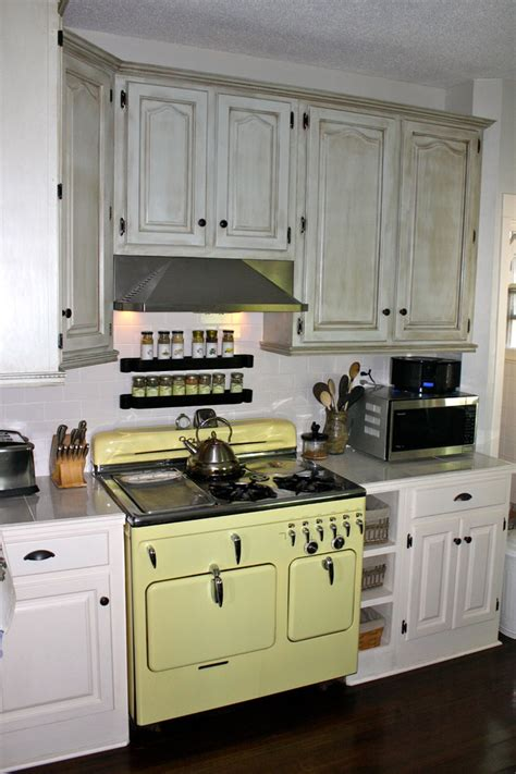 painted country kitchen cabinets country cabinets beautiful furnitures 3970