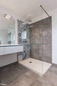 Implantation Salle De Bain : id e d coration salle de bain salle de bains et carreaux ~ Dailycaller-alerts.com Idées de Décoration