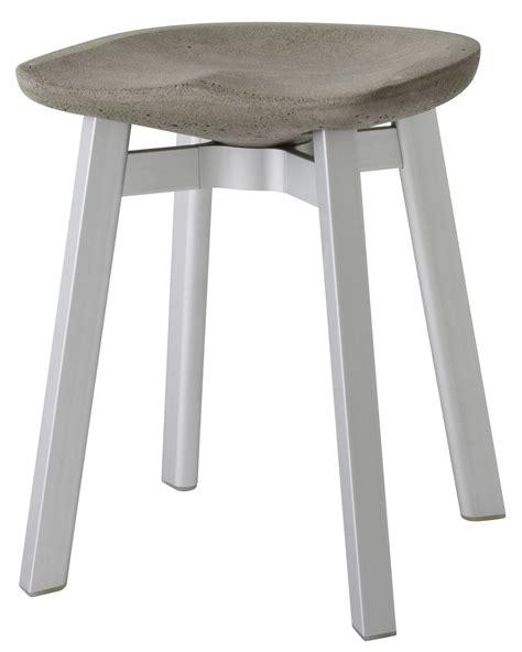 tabouret bas de cuisine tabouret su h 47 cm béton béton gris pieds aluminium