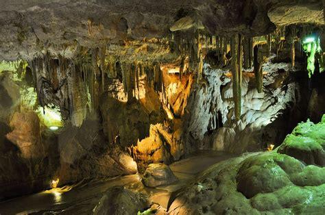 voyage des aines grottes de han montigny le tilleul