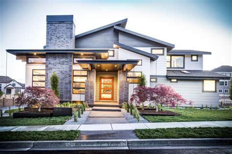 Beautiful Semimodern Home  Traditional Elegant Interior