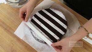 Super Quick Video Tips: Easiest Ways to Decorate a Cake