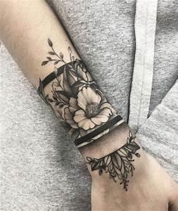 Armband Tattoo Bedeutung : blumen und ihre bedeutung schwarz graues armband tattoo am unterarm tattoos pinterest ~ Frokenaadalensverden.com Haus und Dekorationen