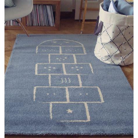 tapis de chambre tapis chambre de bébé marelle