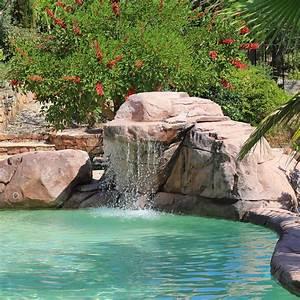 rochers decoratifs piscines diffazur With decoration bassin de jardin 9 une piscine avec faux rochers decoratifs