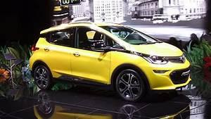 Opel Ampera Commercialisation : mondial de l 39 automobile la plus grande concession de france l 39 automobile magazine ~ Medecine-chirurgie-esthetiques.com Avis de Voitures