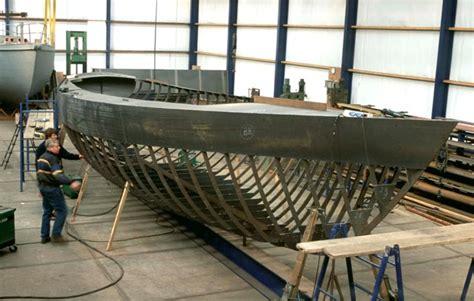 choosing  blue water yacht hull construction grabau