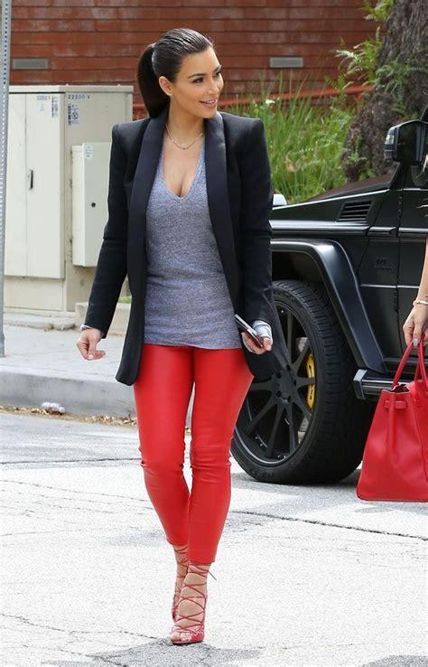 How to wear Red Leggings? - Tips on Wearing Red Leggings