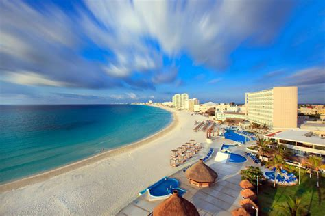 cancun break spring mexico hotels vacation vacations party trip night gobluetours beach trips resort hotel