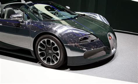green bugatti bugatti veyron grand sport green carbon photo