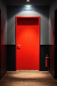 Tür Klimaklasse 3 : rote tuer red door inside the 25h design hotel by levi 39 s ~ Lizthompson.info Haus und Dekorationen