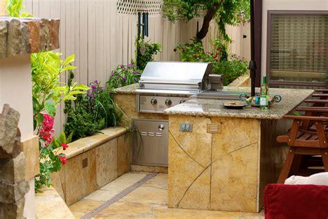 small outdoor kitchen michael glassman associates